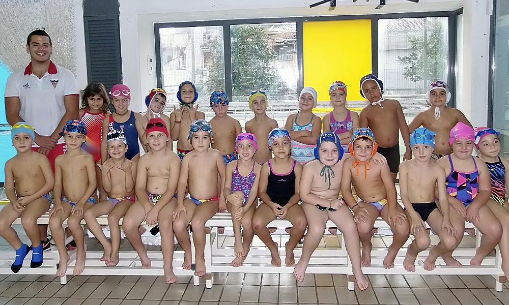 Equip de Waterpolo Prebenjamí B del Club Natació Terrassa